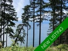 Waterfront Cottage & Building Site in Halfmoon Bay for Sale