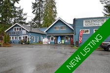 Historic Halfmoon Bay General Store + 3 bed suite + cafe For Sale