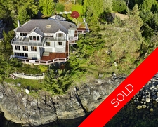 4 Bedroom Waterfront Home in Pender Harbour For Sale